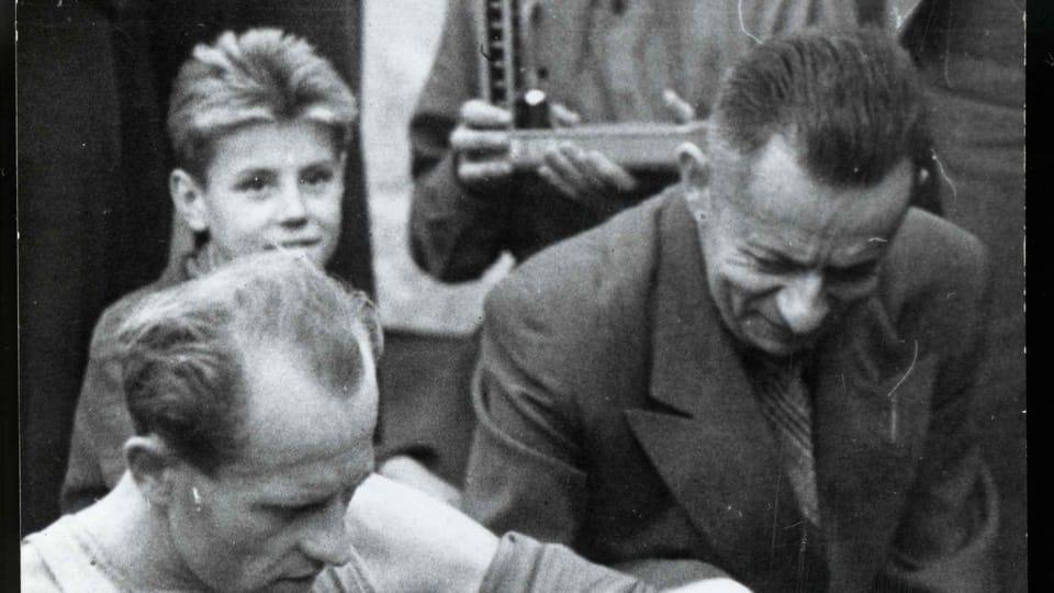 Josef Laufer a Emil Zátopek  (kolem roku 1955)   Foto: e-Sbírky,  Národní muzeum,  CC BY 4.0