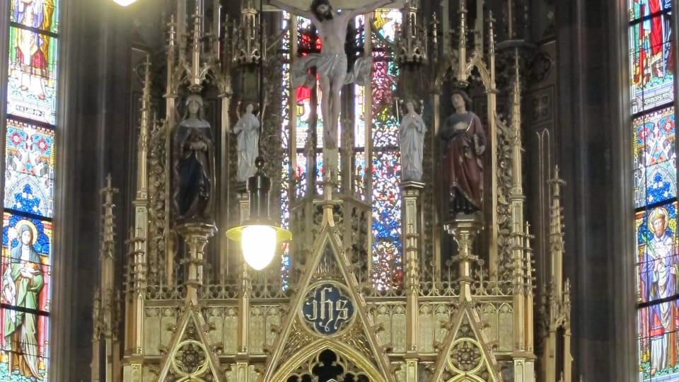 Oltář v bazilice sv. Petra a Pavla,  foto: Kristýna Maková / Praha křížem krážem