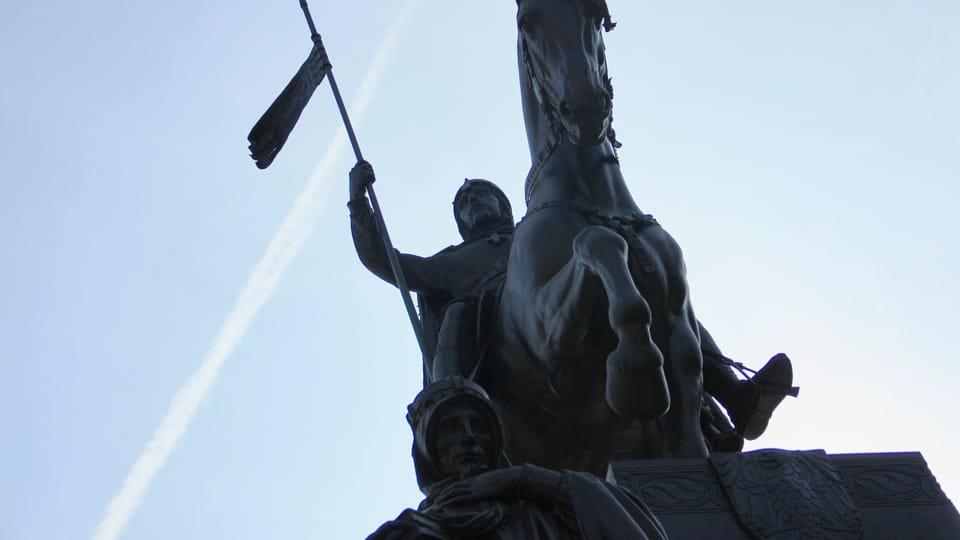 Modelem pro sochu koně se stal sedmiletý armádní hřebec Ardo,  foto: Barbora Němcová