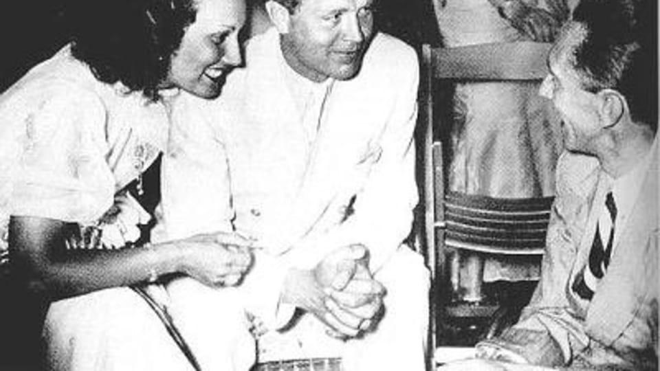 Lída Baarová a Joseph Goebbels  (vpravo)