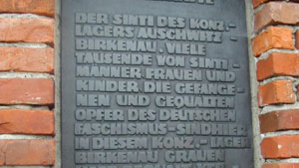 Pamětní deska na památníku,  foto: Jana Šustová