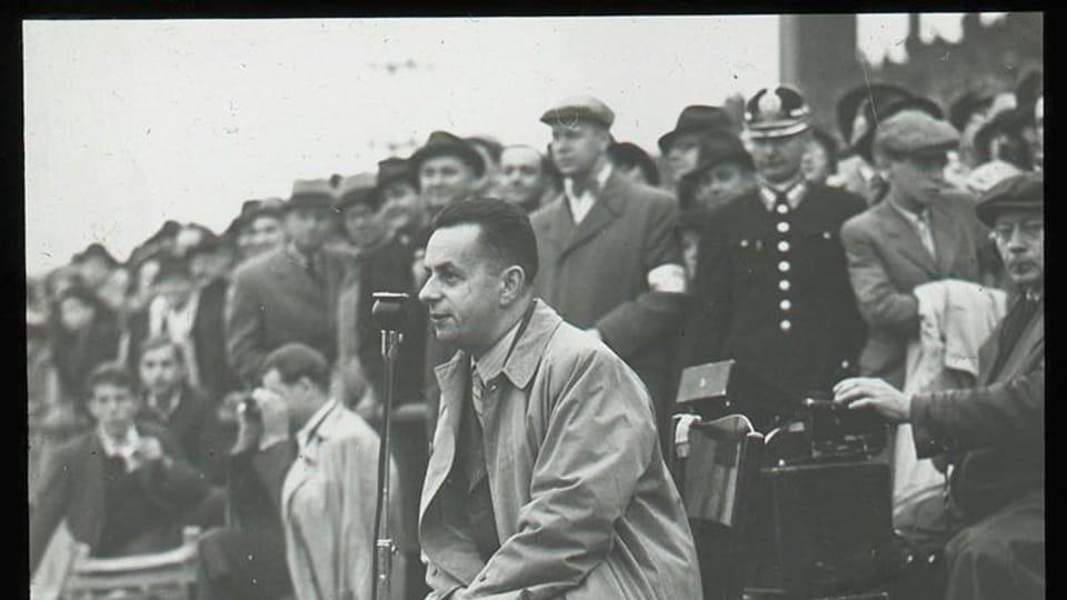 Josef Laufer  (kolem roku 1935)   Foto: e-Sbírky,  Národní muzeum,  CC BY 4.0