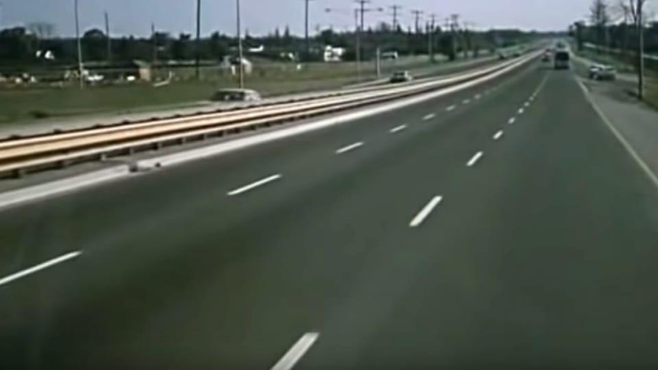 Z průběhu stavby D1 | Foto: Youtube,  Ředitelství silnic a dálnic/Krátký film