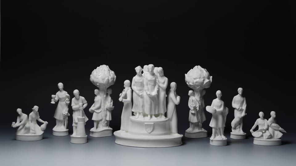Soubor porcelánových figurek z 20. a 30. let 20.století,  foto: © Správa Pražského hradu,  Jan Gloc