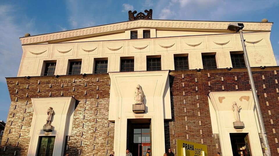 Kostel Nejsvětějšího srdce Páně na náměstí Jiřího z Poděbrad,  foto: Štěpánka Budková