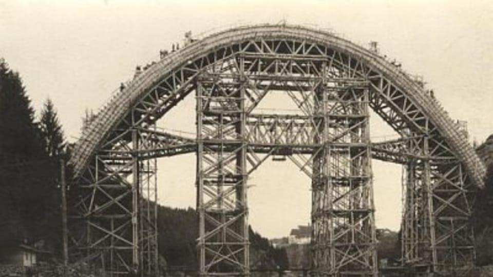 Stavba eletrické tratě z Bechyně do Tábora