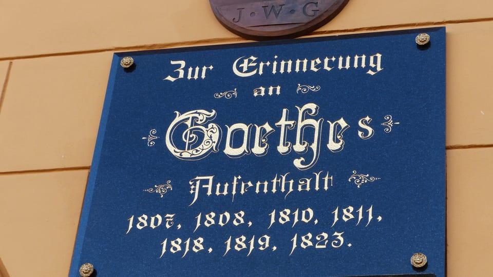 Pamětní tabule připomíná časté návštěvy básníka Johanna Wolfganga Goetha,  foto: Klára Stejskalová