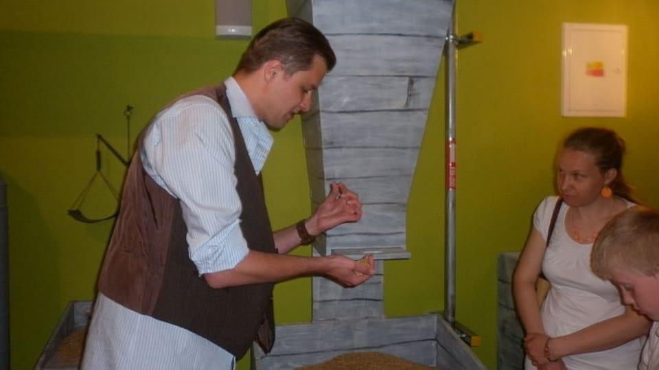 Průvodce expozicí Tomáš Novotný,  foto: Zdeňka Kuchyňová