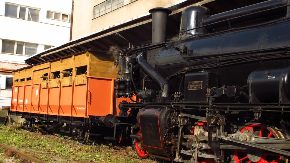 Obrněný vagon s dělem se nachází před lokomotivou,  foto: Kristýna Maková,  Český rozhlas - Radio Praha