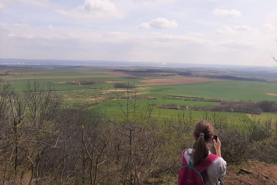 Jedna z vyhlídek z hory Říp | Foto: Lenka Žižková,  Radio Prague International