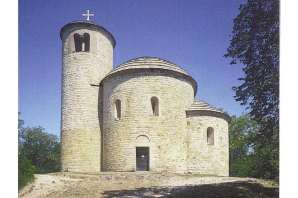 Rotunda sv. Jiří a sv. Vojtěcha - hora Říp,  foto:  CzechTourism