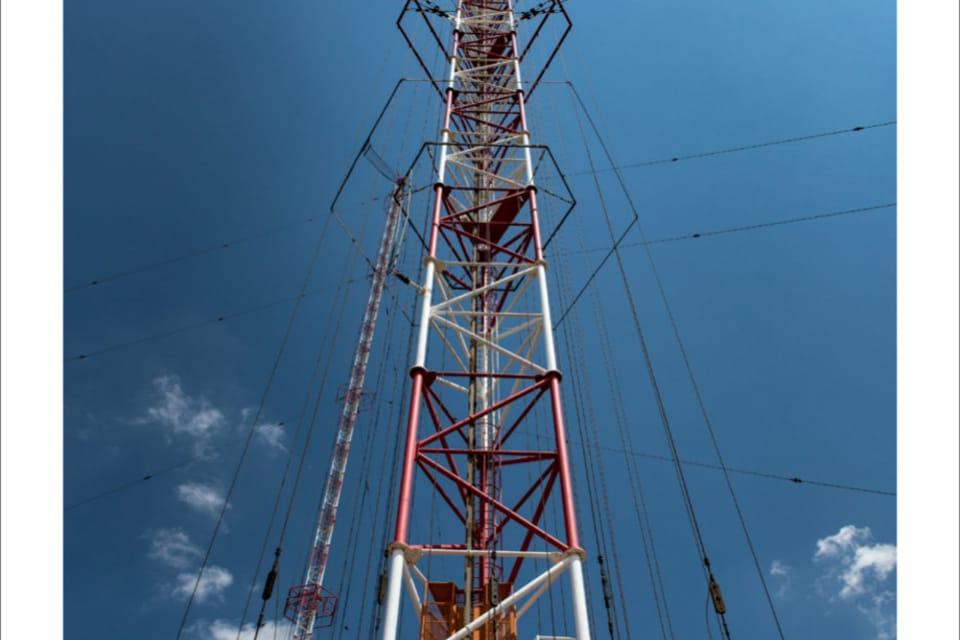 335 metrů vysoký vysílač Liblice je nevyšší konstrukce v Česku,  foto: Andrea Filičková